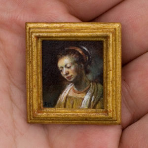 Detail van het miniatuurschilderij portret van een jonge vrouw. Origineel is van Rembrandt van Rijn. Met handgemaakte 24 karaat bladgoud lijst