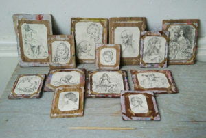 Miniatuur tekenborden/schildersborden met schetsen door Diane Me